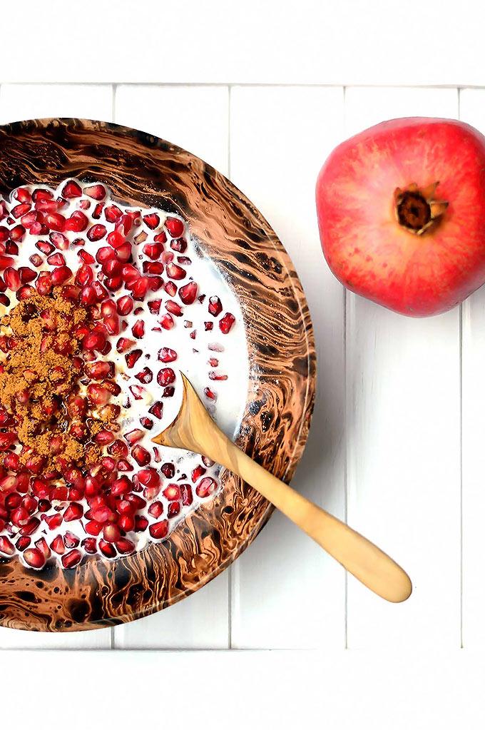 Pomegranate Breakfast Bowl - sweet and refreshing www.thebrightbird.com