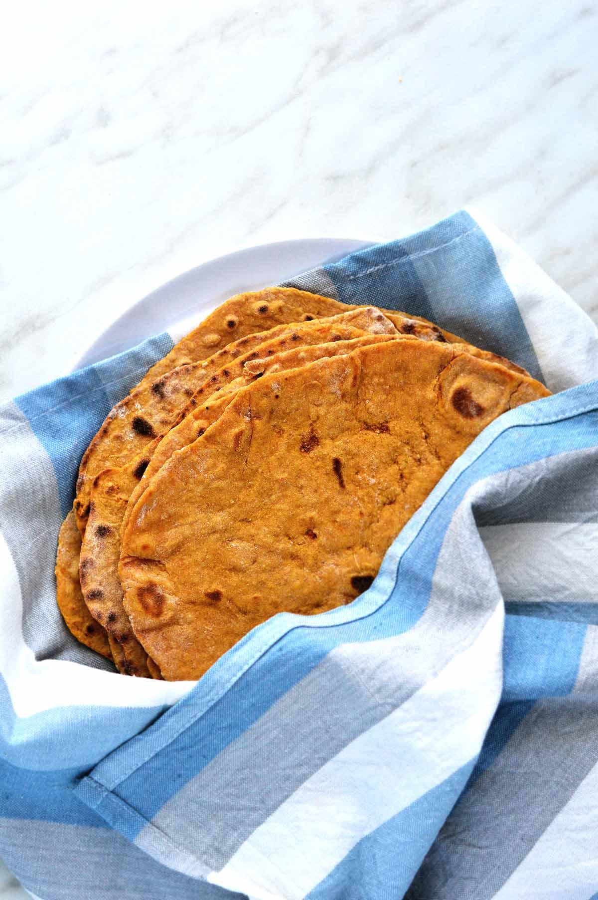 tortillas de boniatos en una servilleta
