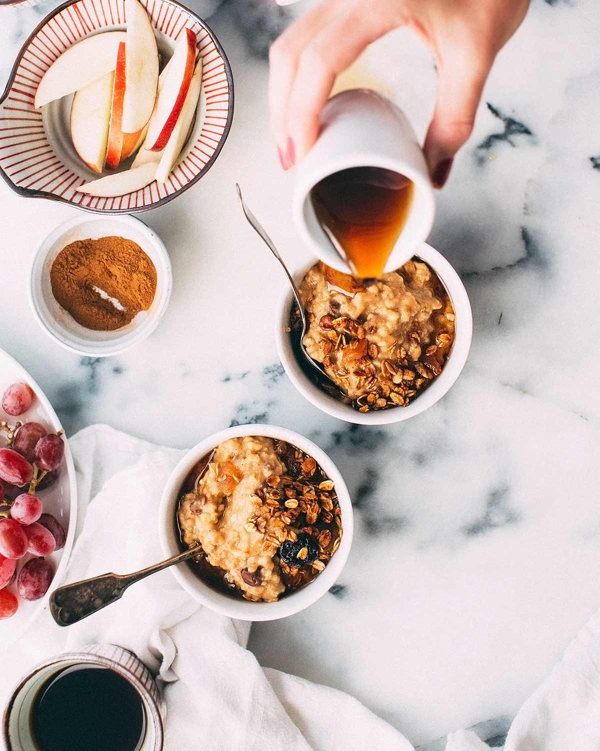 oatmeal and fruit breakfast bowls