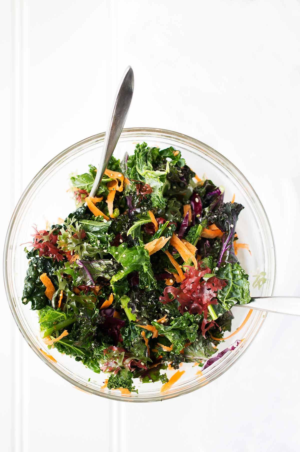 transparent bowl with seaweed salad